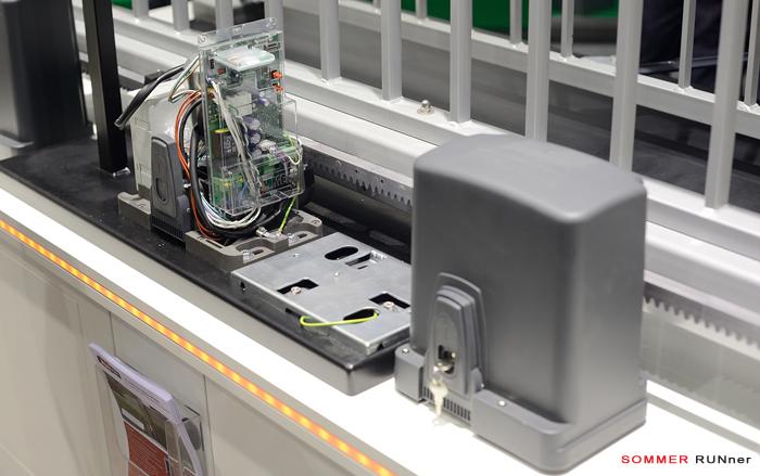 Новый универсальный привод для откатных (раздвижных) ворот SOMMER RUNner
